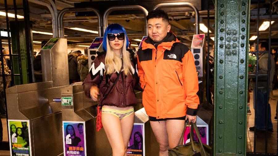 """O """"Dia sem Calças"""" no metrô de Nova York - Getty Images"""