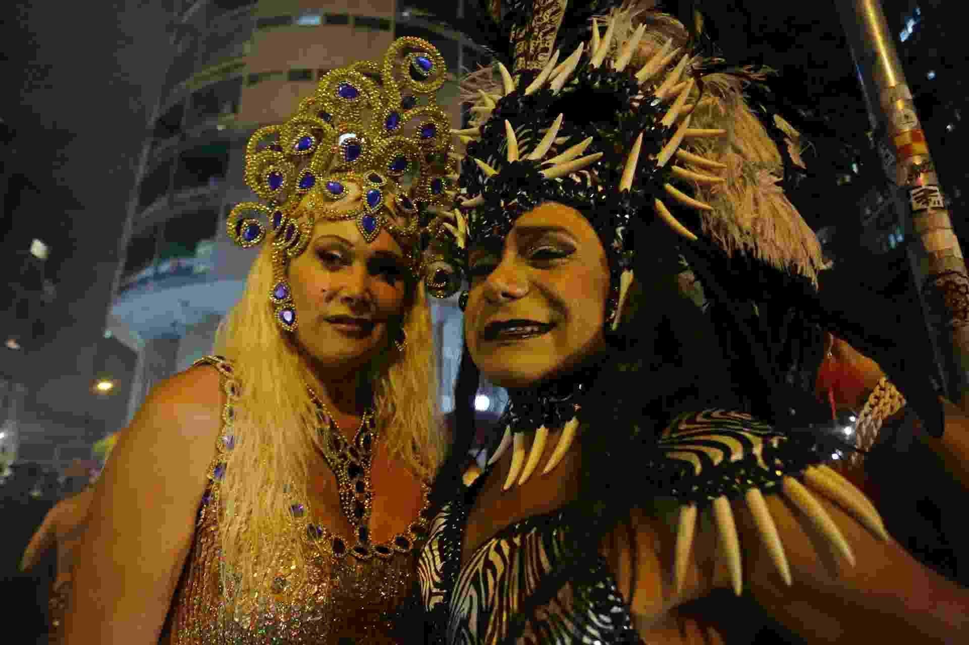Foliões capricharam nas fantasias para curtir a Banda Redonda - Nelson Antoine/UOL