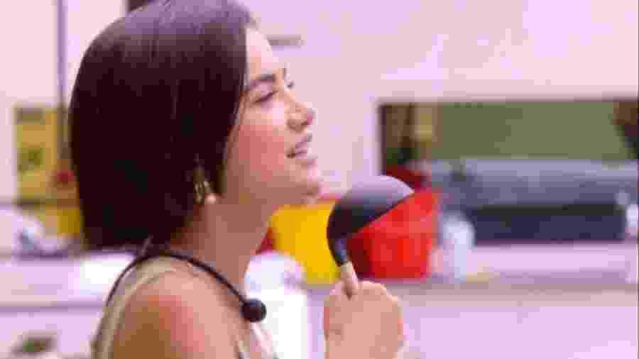 BBB 20 - Manu dança na cozinha da xepa - Reprodução/Globoplay