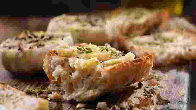 Pão de alho: entrada pré-cozida - Getty Images - Getty Images