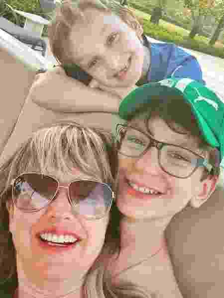 Alessandra Scatena com os filhos, Estéfano e Enrico - Reprodução/Instagram