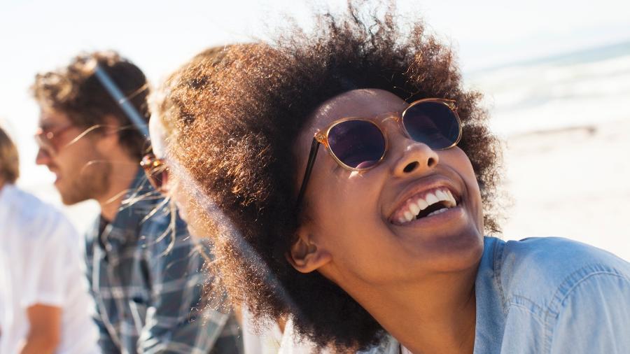 Óculos de sol ajudam a proteger os olhos e também fazem parte do estilo de cada um - Getty Images