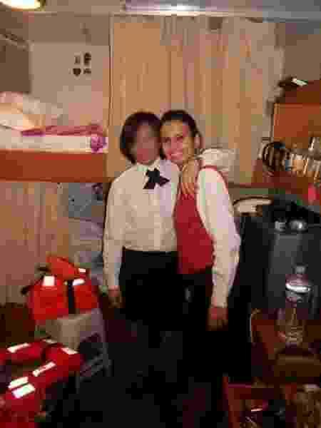 Verônica e uma colega de trabalho no navio - Arquivo pessoal - Arquivo pessoal