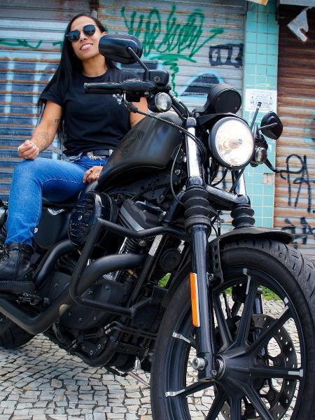 Vanessa Santiago é motociclista  - Bernardo Santos Mauro