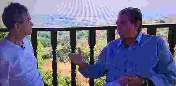 Apresentador Serginho Groisman e o médium brasileiro João de Deus, em Goiás - Divulgação