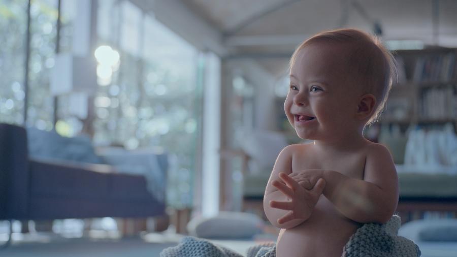 O bebê Lucca é o protagonista da campanha de Dia das Mães de uma marca de produtos cosméticos para crianças - Divulgação/Johnson