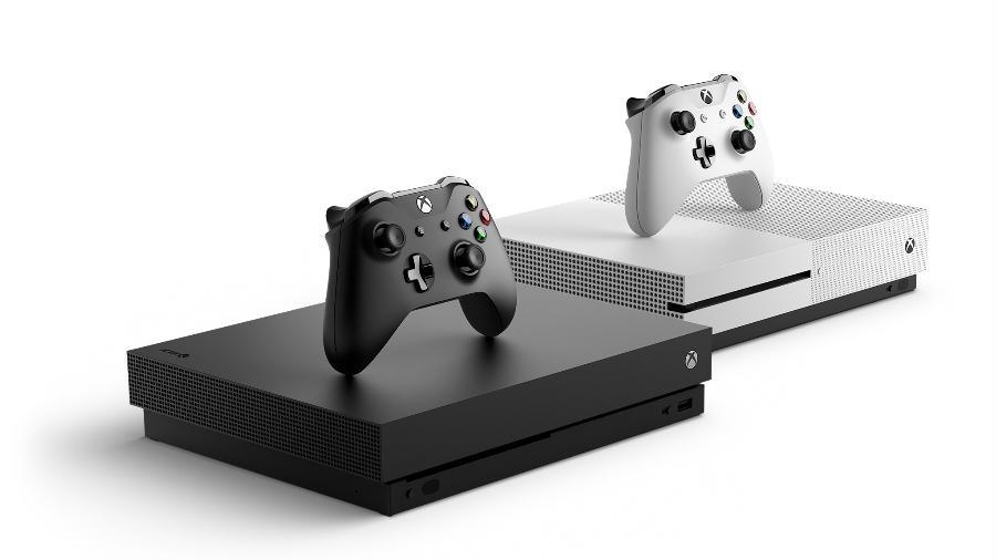 """Os consoles da Microsoft: """"Xbox One X"""" e o """"Xbox One S"""", que ganham muitos jogos regularmente - Divulgação/Microsoft"""