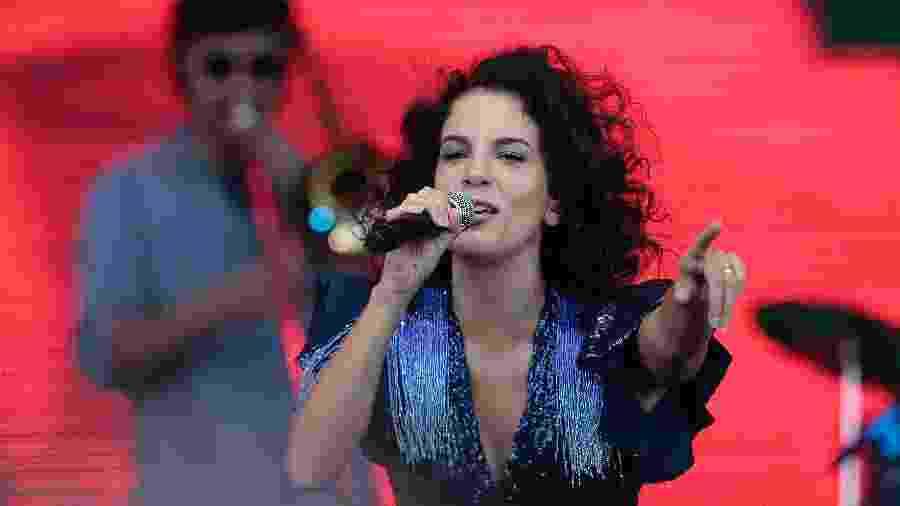 Cantora Céu durante o show Nivea Viva - Nelson Antoine/UOL
