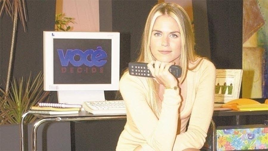 """Suzana Werner foi a última apresentadora do """"Você Decide"""" antes de o programa sair do ar. A temporada apresentada por ela foi composta de reprises e o programa, que antes era exibido às noites, foi transferido para as tardes da programação da Globo"""