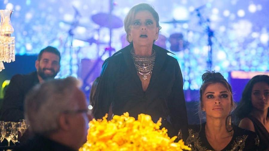 """Marieta Severo e Grazi Massafera em cena de """"O Outro Lado do Paraíso"""" - Raquel Cunha/TV Globo"""