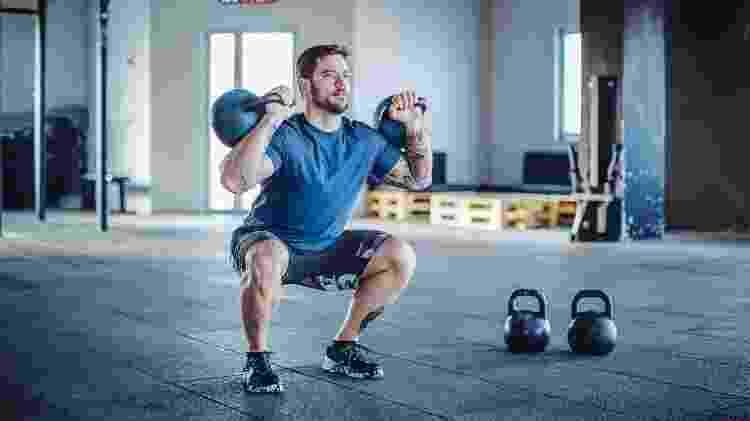 agachamento, exercício, perna, academia - iStock - iStock