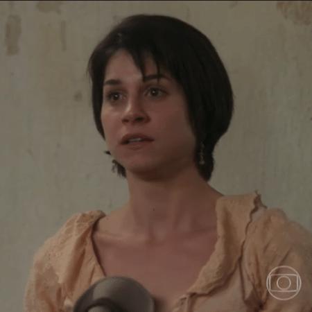"""Em """"Orgulho e Paixão"""", Mariana (Chandelly Braz) tem cabelos cortados por Xavier (Ricardo Tozzi) - Reprodução/Globo"""