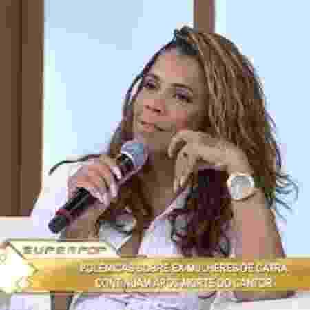 """""""Tivemos que adaptar, eu não trabalhava, hoje trabalho"""", contou Silvia Regina no Superpop - Reprodução/RedeTV"""