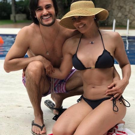 Solange Frazão com o namorado - Reprodução/Instagram