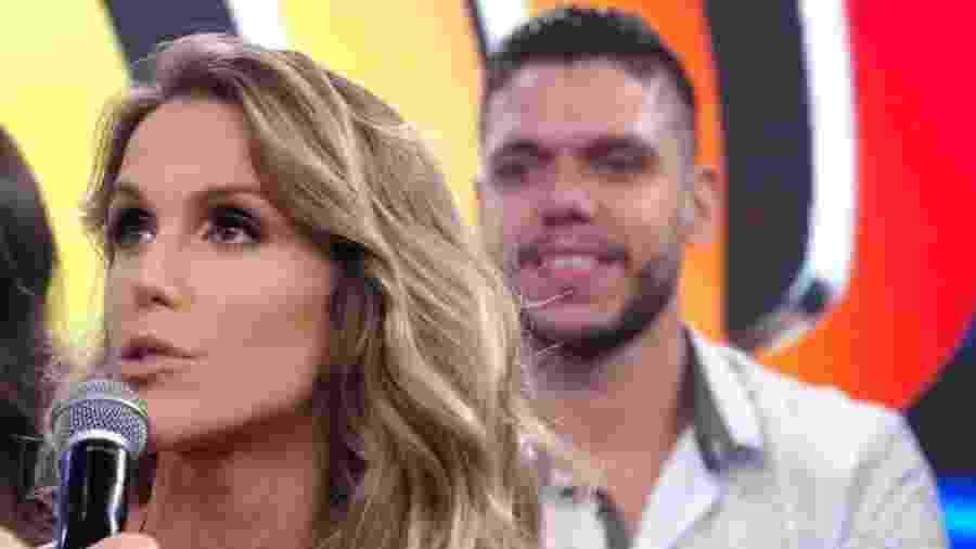 """Mariana Ferrão e seu professor na """"Dança dos Famosos"""", Ricardo Espeschit - Reprodução/TV Globo"""