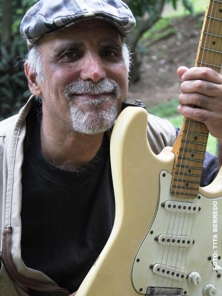 O guitarrista e compositor Guto Barros - Tita Berredo/Reprodução/Facebook