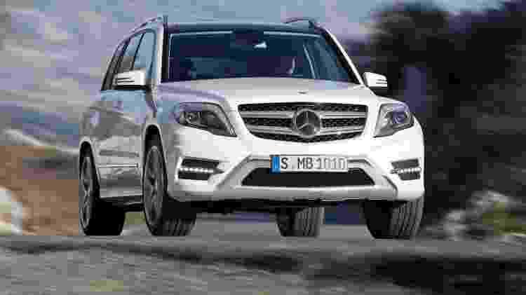 Mercedes-Benz GLK 220 2015 custa abaixo de R$ 140 mil e traz a força do motor turbodiesel - Divulgação