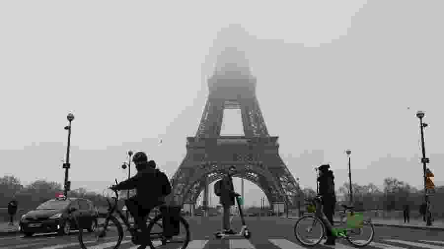 Torre Eiffel é fechada por conta da greve geral na França - AFP