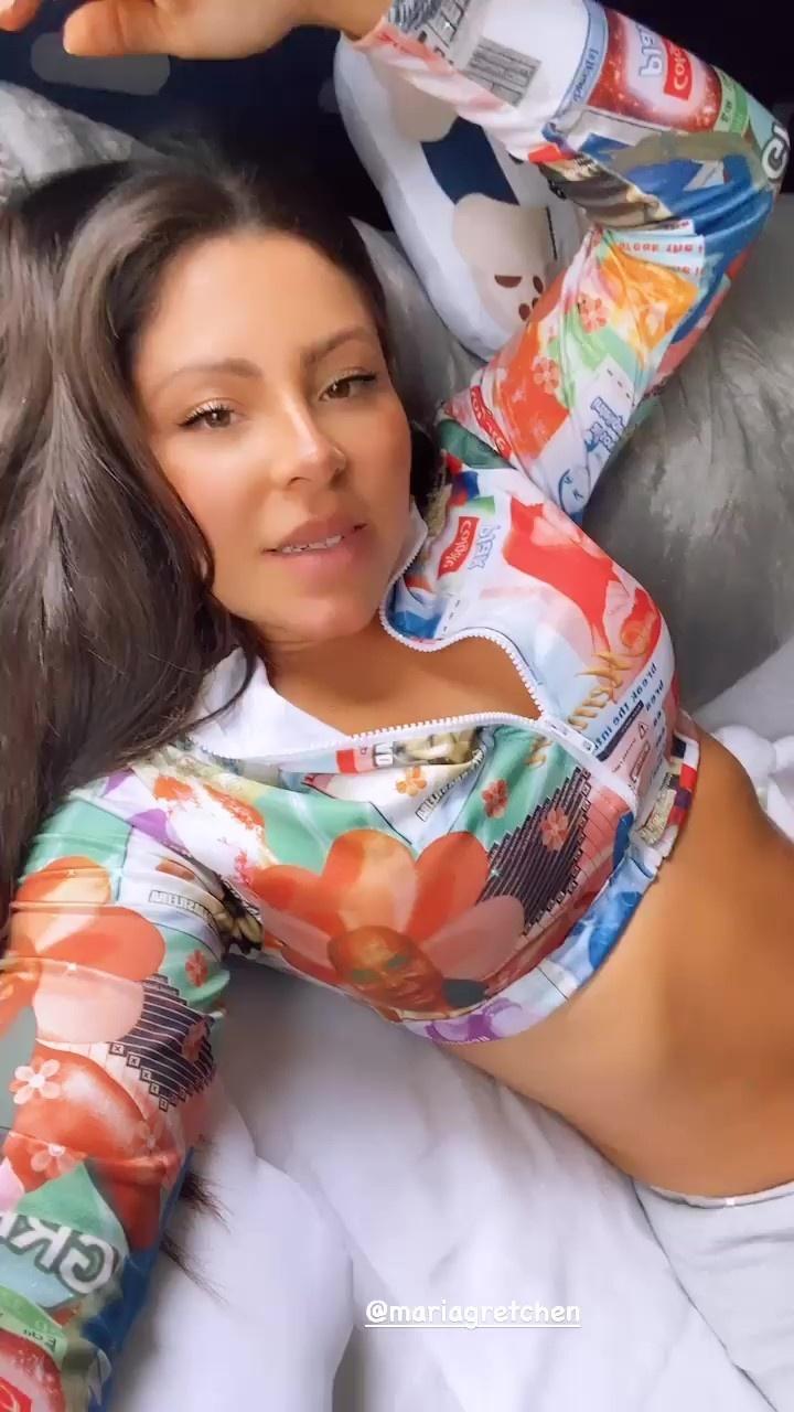Andressa Miranda exibe blusa nas redes sociais