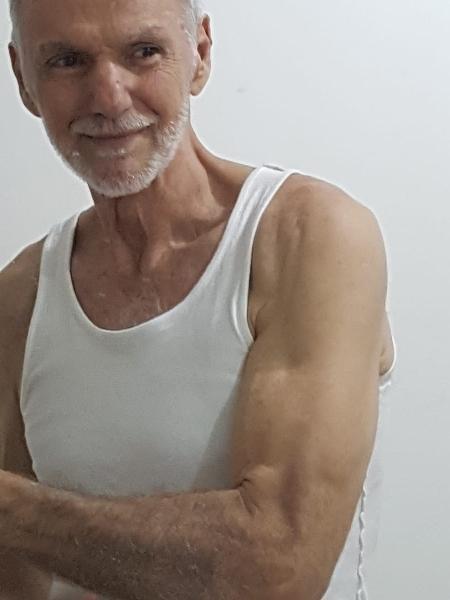 Com mais de 80 anos, o preparador físico Nuno Cobra ainda tem a musculatura bem definida - Arquivo pessoal