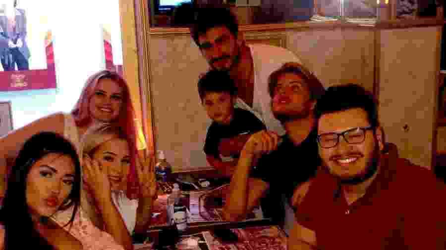 Participantes do BBB 20 se reencontraram em restaurante  - Reprodução/Twitter