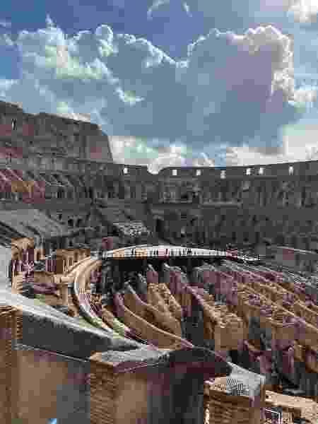 Por dentro do Coliseu vazio - Rafael Tonon - Rafael Tonon
