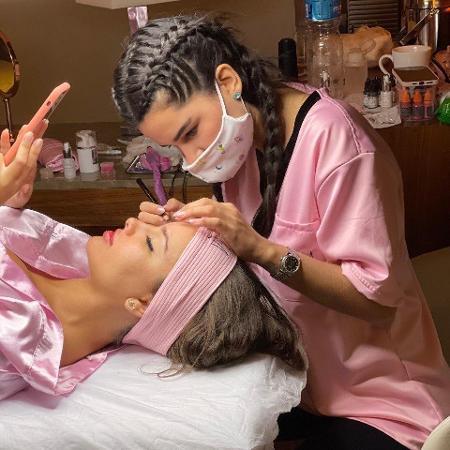 Thais Braz faz tratamento estético com Natalia Martins, da Natalia Beauty, após ser eliminada do BBB 21 - Divulgação