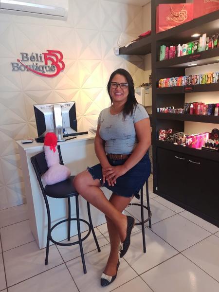 Gislaine Brito é evangélica e abriu sex shop em Campo Grande (MS). - arquivo pessoal