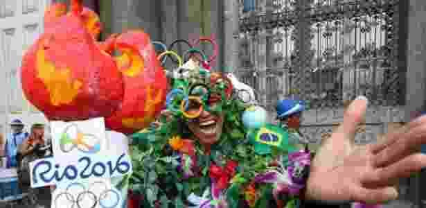 14.fev.2016 - Monobloco comanda encerramento de Carnaval no centro do Rio de Janeiro - Zulmair Rocha/UOL