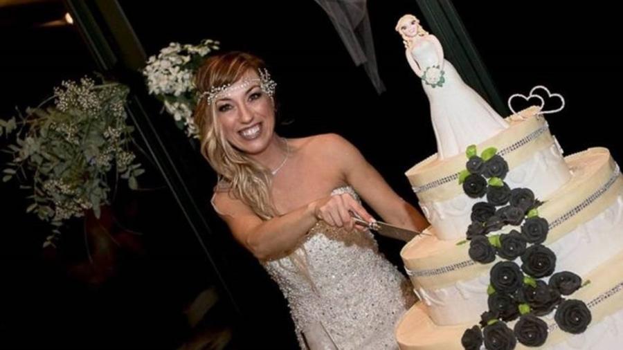 Laura Mesi diz ser a primeira mulher italiana a casar consigo mesma  - Micaela Martini