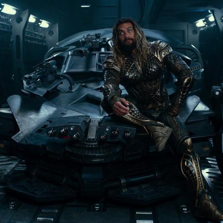 """Jason Momoa como Aquaman em """"Liga da Justiça"""" - Divulgação"""