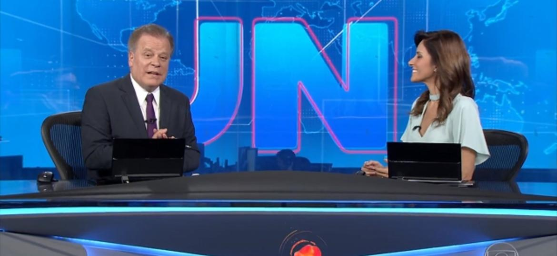 """Chico Pinheiro encerra o """"JN"""" com """"saravá"""" - Reprodução/TV Globo"""