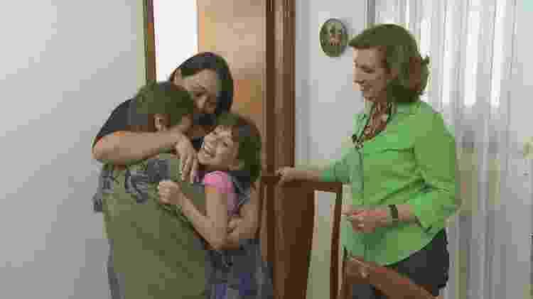 Cris Poli, a Supernanny, ajudou os irmãos a superarem a morte dos pais  - Divulgação SBT - Divulgação SBT