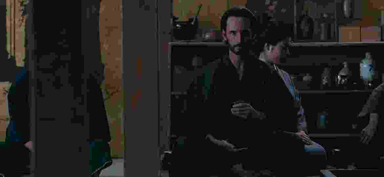 """Hector (Rodrigo Santoro) no Shogun World de """"Westworld"""" - Divulgação"""