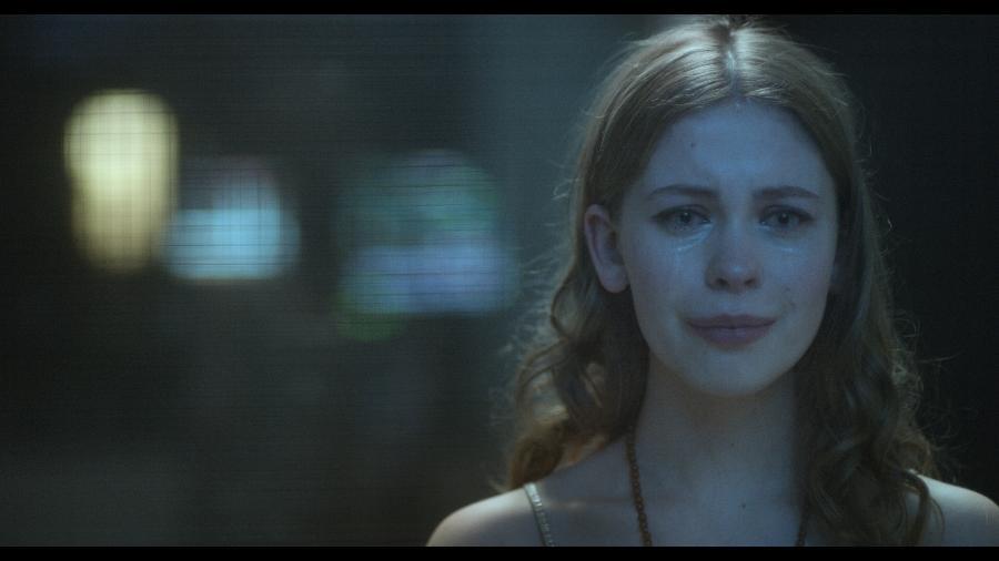 """June (Sorcha Groundsell) em cena de """"Os Inocentes"""", da Netflix - Divulgação/Netflix"""