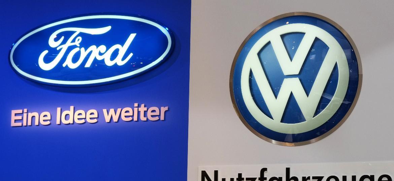 Acordo entre marcas não se limitará apenas a veículos comerciais - Patrik Stollarz/AFP