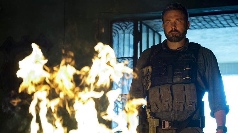 """Ben Affleck em cena de """"Operação Fronteira"""" - Divulgação/IMDb"""