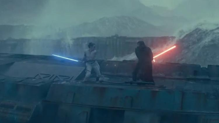 Rey and Kylo Ren on Skywalker Ascension Scene - Playback / YouTube