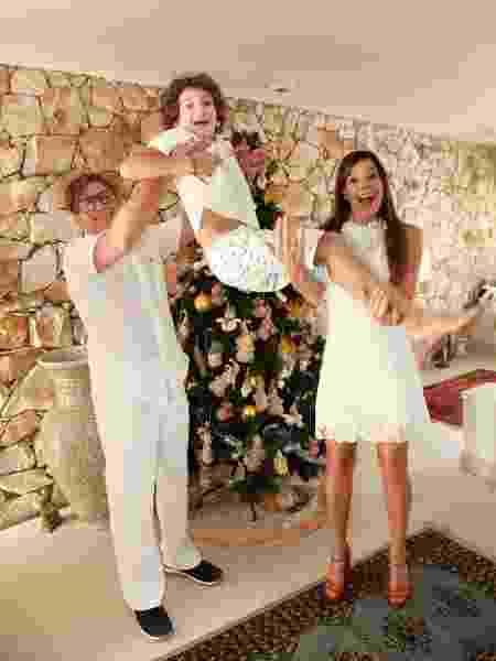 Mylla Christie com o marido, Tutu Sartori, e o filho Arthur - Marcos Ribas/Brazil News