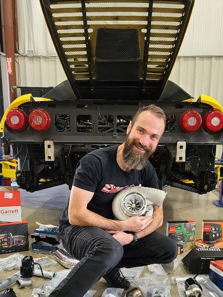 Brasileiro Anderson Dick transformou nos EUA Ferrari F355 problemática em 30 dias; carro recebeu turbo e agora tem 800 cv - Arquivo pessoal