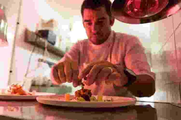 """O Bistro Paradis, citado pelo jornal Le Monde como """"a nova cena da cozinha brasileira"""", fazia sucesso em Paris ao aliar ingredientes exóticos ao savoir faire francês - Divulgação - Divulgação"""