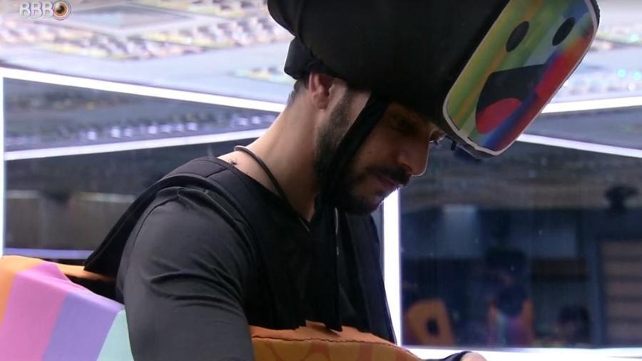 BBB 21: Caio reclama de Fiuk após ver quantidade de comida na xepa - Reprodução/ Globoplay