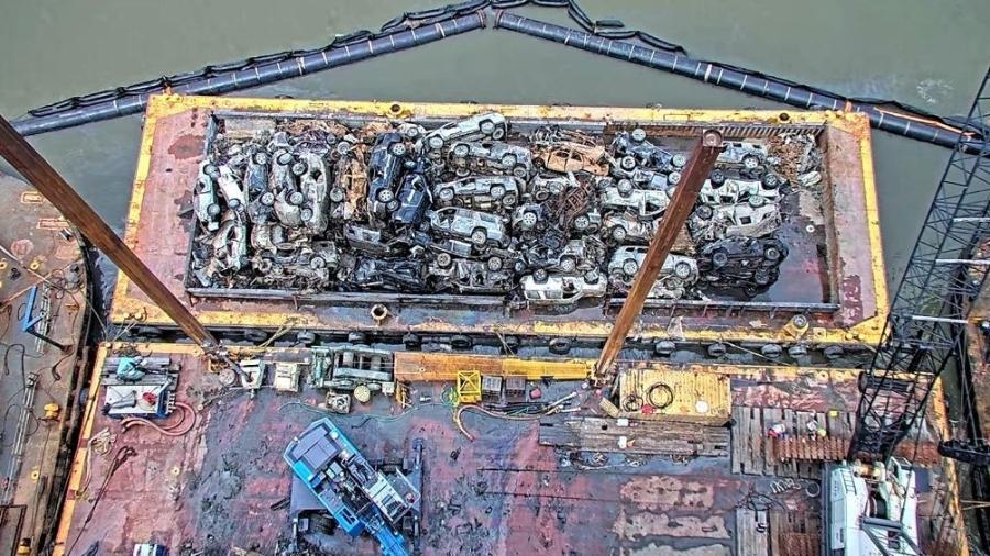 Navio Golden Ray tem carros retirados de última fatia 2 anos após tombamento da embarcação na costa dos EUA - Divulgação