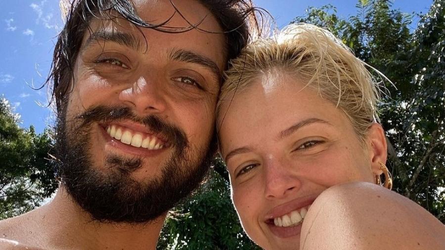 Ágatha Moreira e Rodrigo Simas sensualizam no Instagram - Reprodução/Instagram