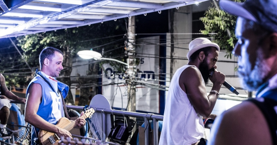 O dub jamaicano e o frevo elétrico estão entre as referências musicais
