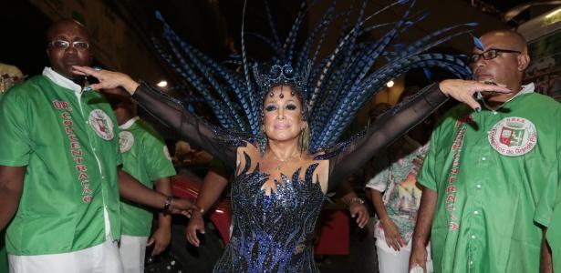 Aos 73 anos, Susana Vieira desfila pela Grande Rio no primeiro dia do Carnaval do Rio de Janeiro