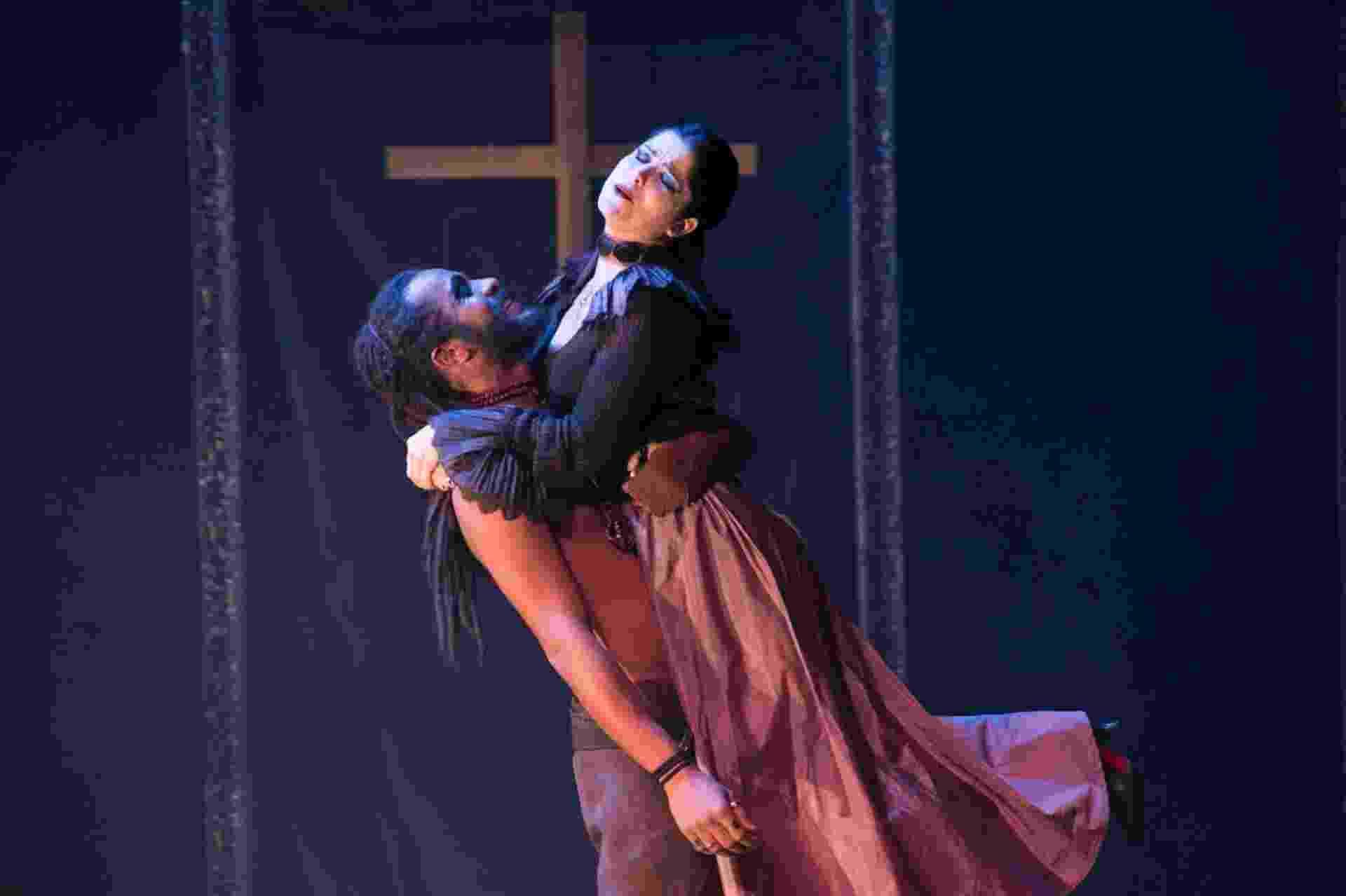 """""""Otelo"""", de Shakespeare, com direção de Debora Dubois e Samara Felippo no papel de Desdêmona, no Teatro Faap - Luciano Alves"""