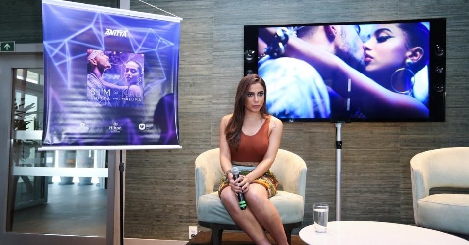 27.jul.2016 - Anitta lança o clipe de