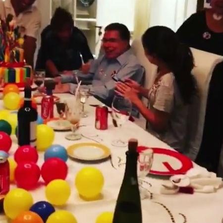 Família canta parabéns a Silvio Santos, que comemora 86 anos - Reprodução/Instagram/silviaabravanel