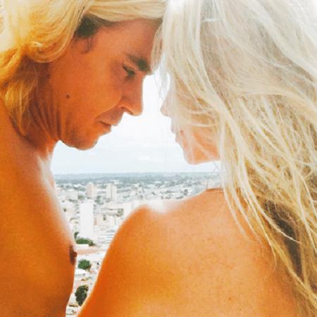 Dani Winits posta foto romântica ao lado de André Gonçalves - Reprodução/Instagram